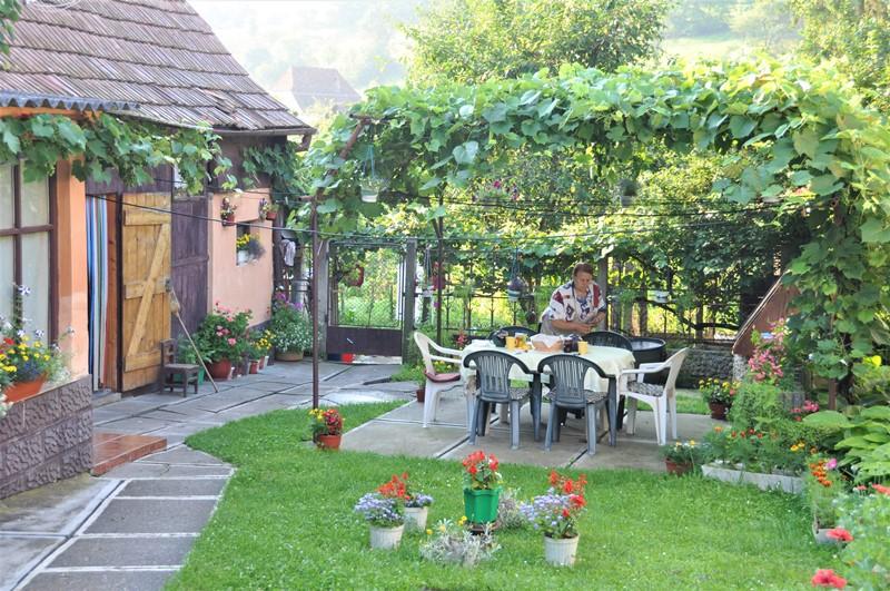 Her spiste vi morgenmad i haven, Rumænien