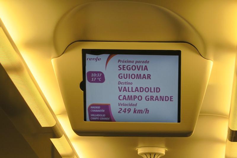 Vi var imponerede over hastigheden på toget til Segovia, Spanien