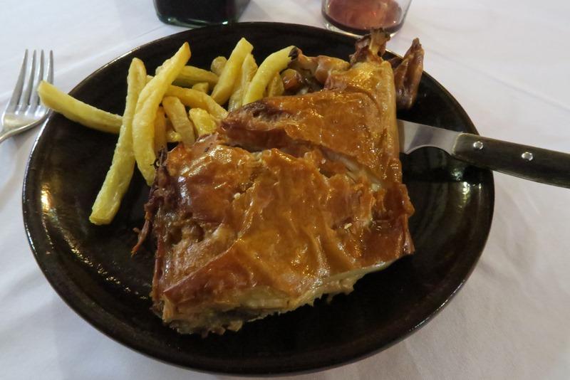 Helstegt pattegris er en specialitet i Segovia, Spanien