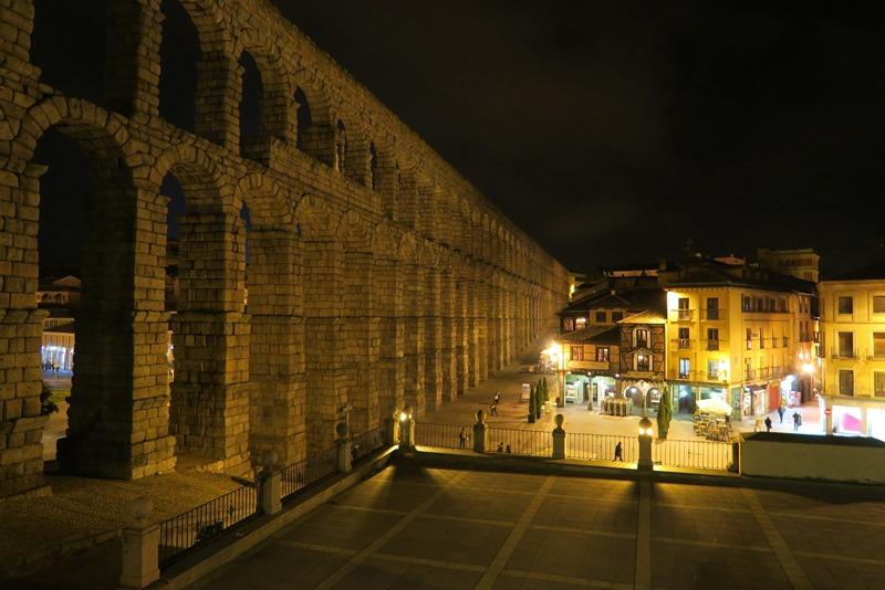 Akvædukten i Segovia by night