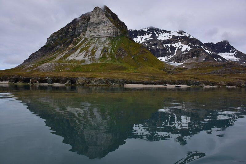 Flotte fjelde ved Alkehorn på Svalbard