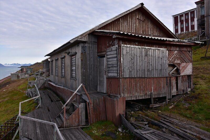Forladt hus i Barentsburg, Svalbard