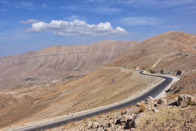 Vej ned til Qadishadalen, Libanon