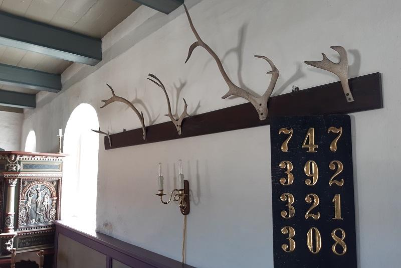 Rensdyrtakker i Mandø kirke